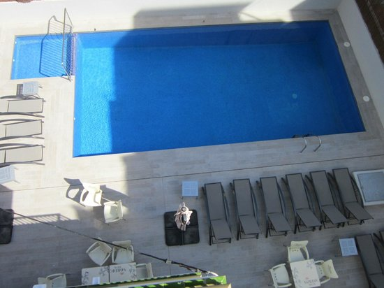 Apartamentos Vistamar II: Pool
