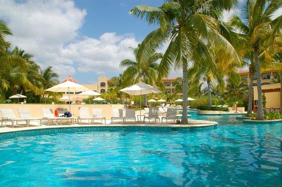 Hacienda Tres Rios: One of the pool areas