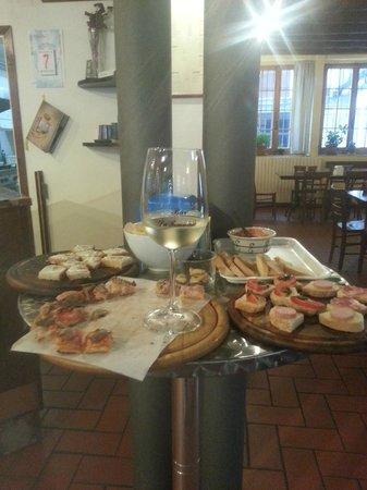 Pizzeria Bar Da Tommaso: tartine e vino