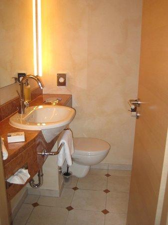 Bavaria Boutique Hotel: bathroom