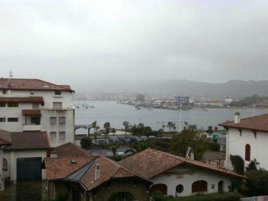 Hotel Bellevue Hendaye : vue de la chambre