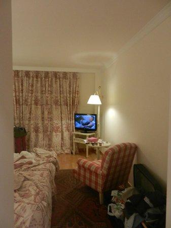 Sercotel Villa de Laguardia Hotel: ...when you walk in