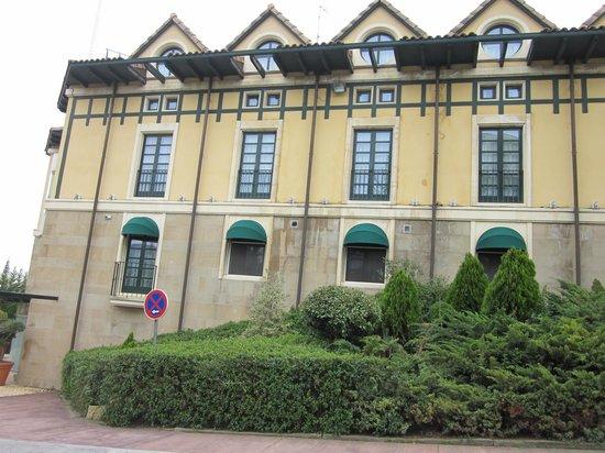 Sercotel Villa de Laguardia Hotel: Outside