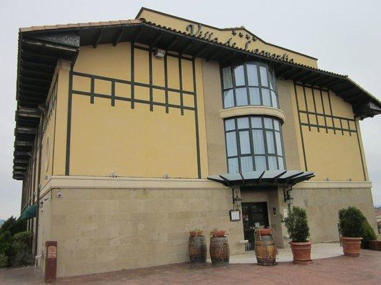 Sercotel Villa de Laguardia Hotel: The front