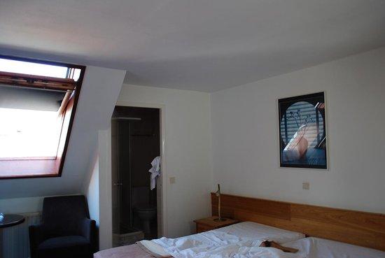 Amsterdam Wiechmann Hotel: Interno stanza 330 lato sud