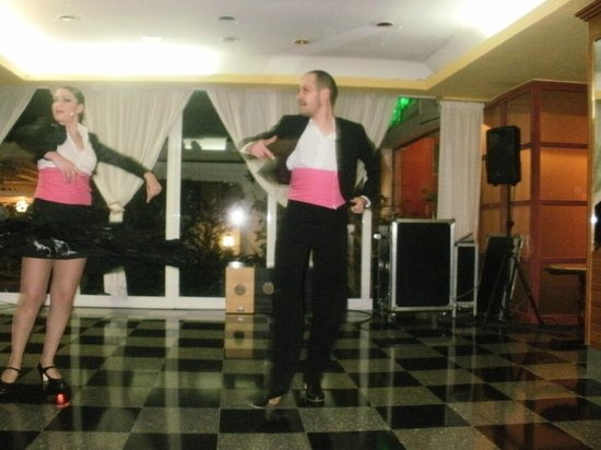 Hotel Tropico Playa: Flamenco dancers excellent show
