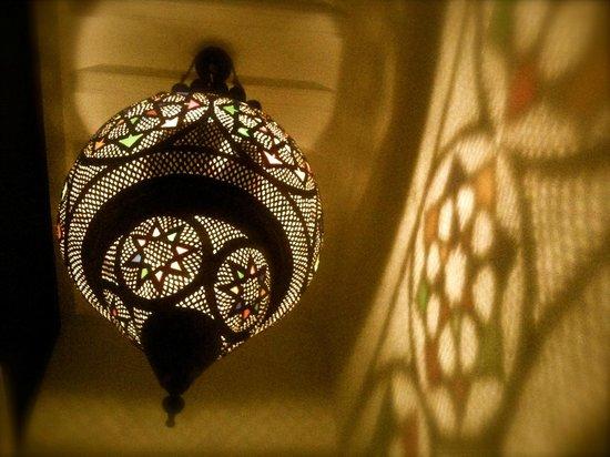 Dar Asam: lights