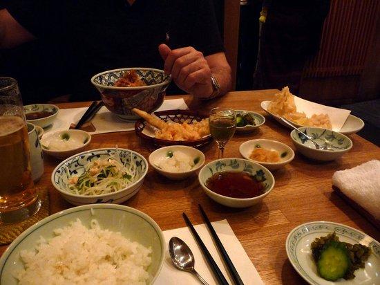 Shinjuku Tsunahachi Takashimaya ten: notre table