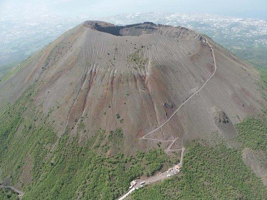 Amalfidriverservice Day Tours: Vesuvio