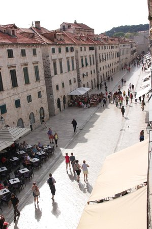 Pavisa Apartments: View to Stradun