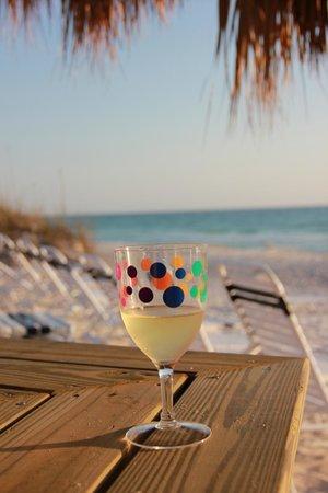 Tortuga Beach Resort: Gorgeous Bradenton Beach-access from Tortuga Inn