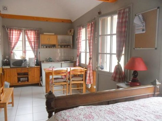 Hotel Gites Chambre d'Hotes Roulottes St Pol sur Ternoise : Interieur gite 2