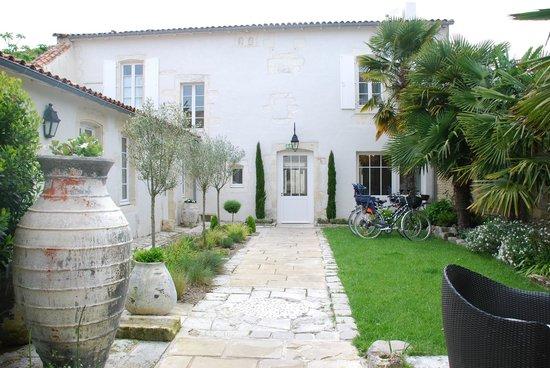 La Villa Clarisse : Le patio