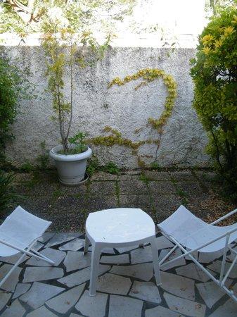 Pavillon Bleu Hotel Restaurant : terrasse