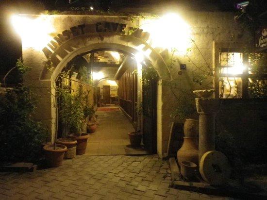 Sunset Cave Hotel: 【サンセットケーブホテル】エントランス
