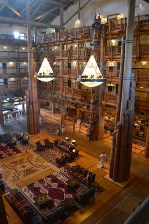 Disney's Wilderness Lodge: Lobby on 3rd level.