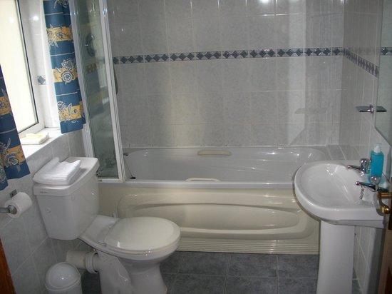 Seashore Lodge: Bathroom