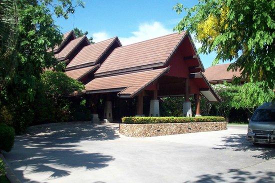 Bo Phut Resort & Spa: Hotel entrance