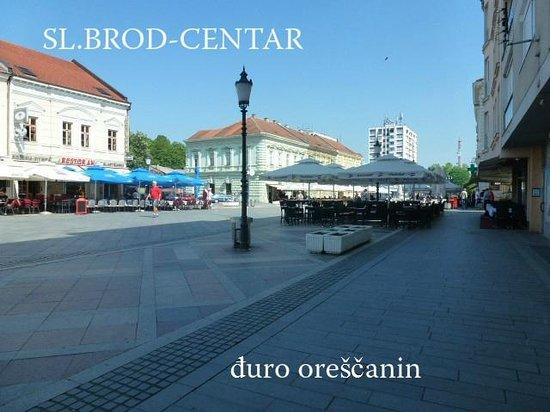 Slavonski Brod Cemetery: korzo-brod