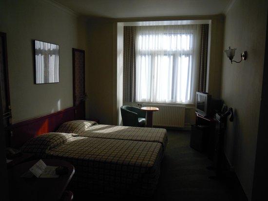 Le Dome Hotel: Habitación