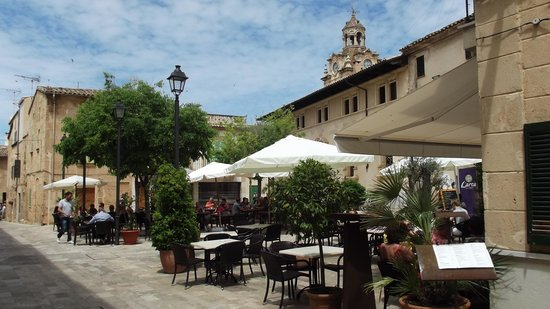 L`arca d`en Peter : The restaurant is in a great little plaza
