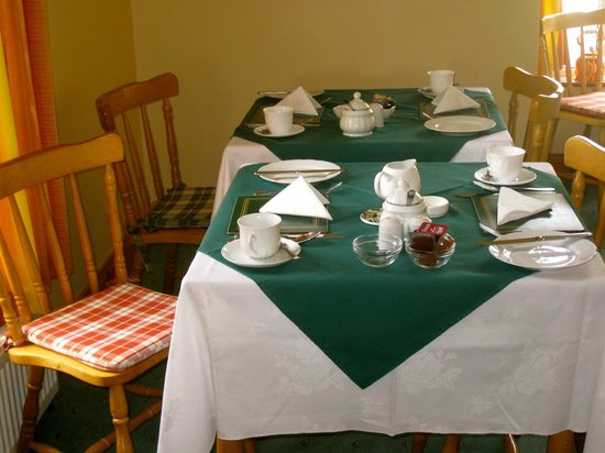 Ashfield Bed & Breakfast: Our breakfast table.