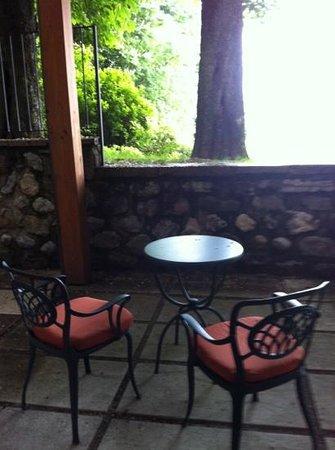 Palazzo Arzaga Hotel Spa & Golf Resort : Balcony in the dark!