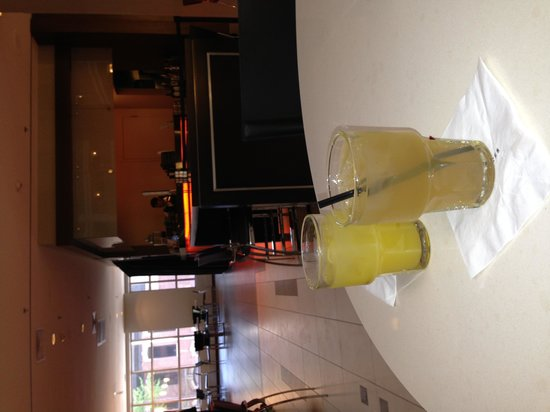 Embassy Suites by Hilton Chicago Downtown: Happy Hour