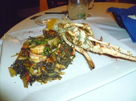 Agua Restaurant & Lounge: Pasta special: black olive pasta with lobster tail