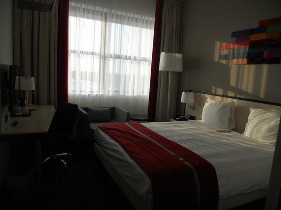 Park Inn by Radisson Amsterdam Airport Schiphol: bed