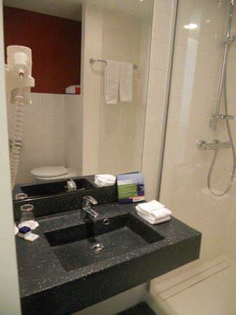 Park Inn by Radisson Amsterdam Airport Schiphol: bathroom