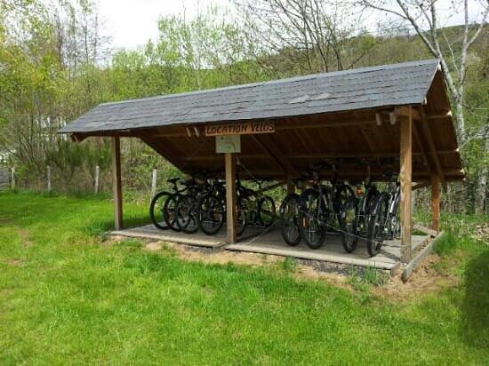 Camping Les Bombes : location de vélos