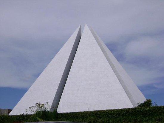 Templo da Boa Vontade: Linda vista do cume da pirâmide