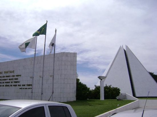 Templo da Boa Vontade: Vista da entrada a partir do estacionamento