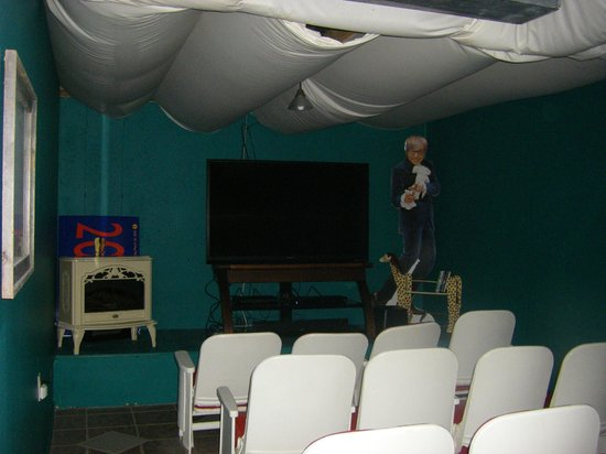 Su Casa Bed and Breakfast: The theater room