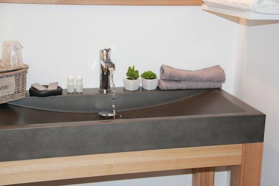 Le Temps des Hôtes : Salle de bain rigolette