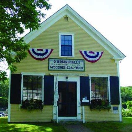 York, Maine: George Marshall Store Gallery