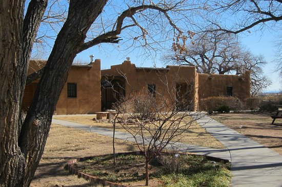Abiquiu Inn: One part of the complex of buildings