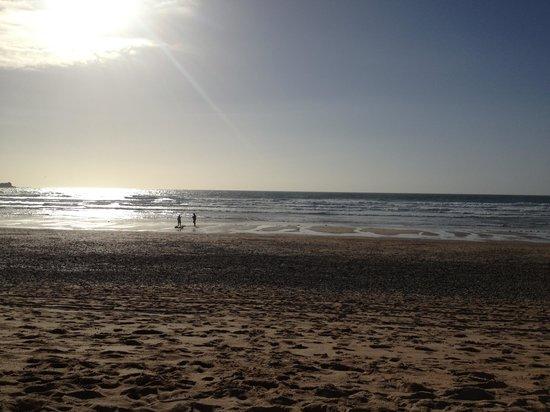 Base Surf Lodge: Kites on Fistral