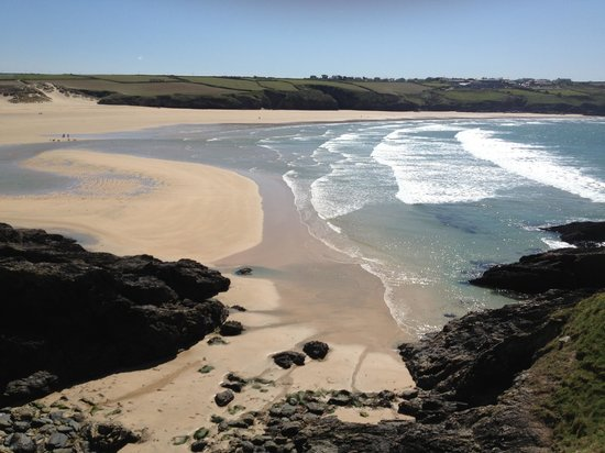 Base Surf Lodge: Crantock Beach is close by too!