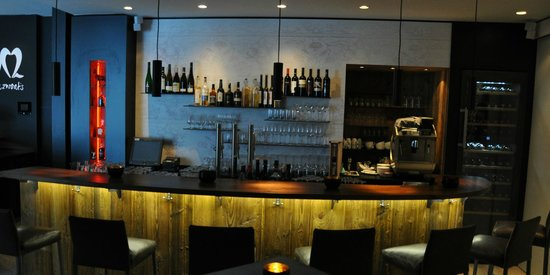 ka zwoats - Bar