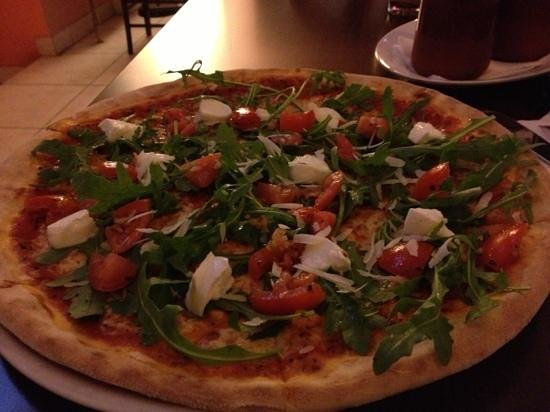 Primo Amore : pizza with Bufalina and ruccola