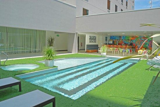 Park Inn by Radisson San Jose: Pool