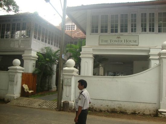 Neemrana's Tower House : Enterance