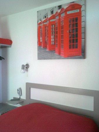 Hotel de la Plage : petite chambre moderne