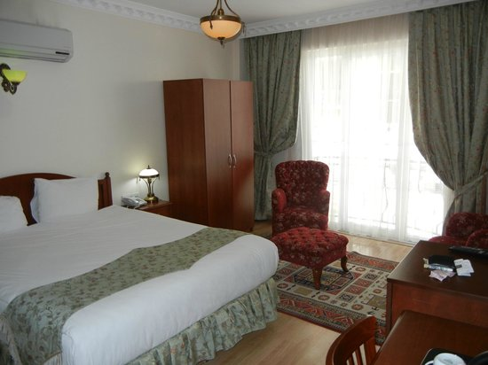 Basileus Hotel: Room 106