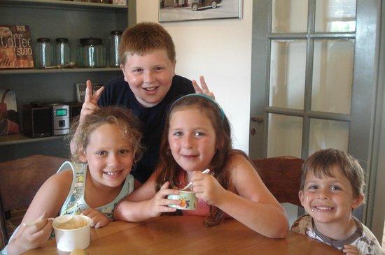 Scooped Ice Cream: Scooped customers having fun!