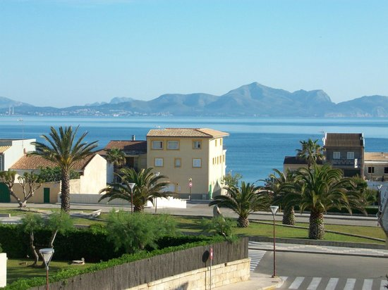 Baulo Mar Apartaments: Our view from room 22