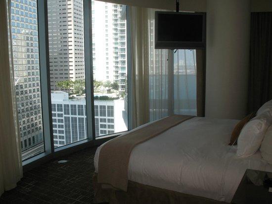 Kimpton EPIC Hotel: 1 BR suite bedroom with floor to ceiling windows