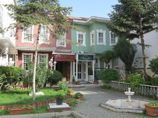 Historia Hotel: Vue extérieure de l'hôtel